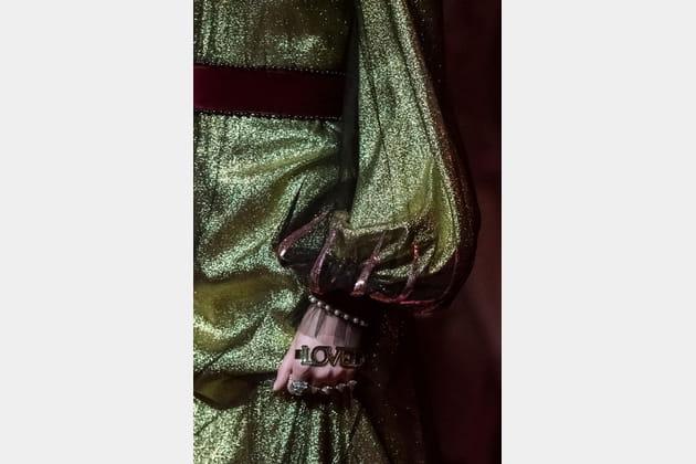 Gucci (Close Up) - photo 82