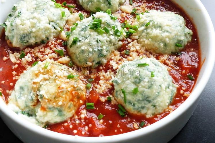 Ravioli nus ou Gnudi à la ricotta et aux épinards, sauce tomate express