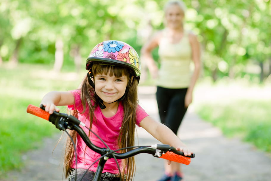 Le port d'un casque devient obligatoire pour les enfants à vélo