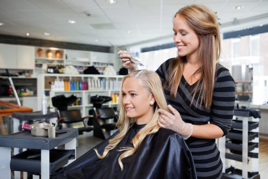 Patine pour cheveux: comment et pourquoi l'utiliser