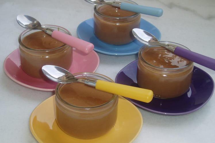 Petits pots de crème au chocolat au lait