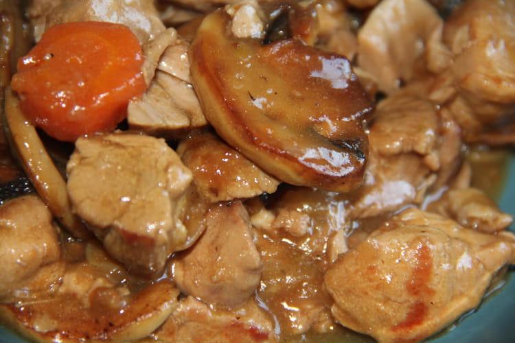 Recette de cocotte de porc la bi re brune la recette - Cuisiner rouelle de porc en cocotte minute ...