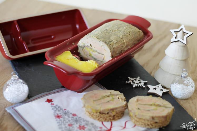 Médaillon de foie gras au Calvados avec insert pommes flambées