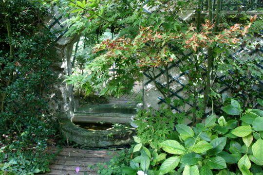 Des miroirs qui agrandissent le jardin for Le jardin qui dit non