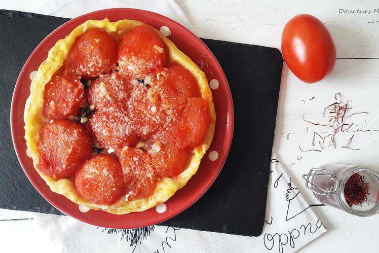 Tarte Tatin à la tomate, chèvre et safran