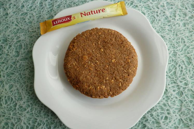 Gâteau cru protéiné chocolat chicorée au muesli avec son d'avoine et psyllium