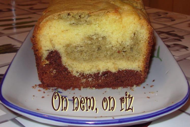 Cake marbré aux deux chocolats et au thé matcha
