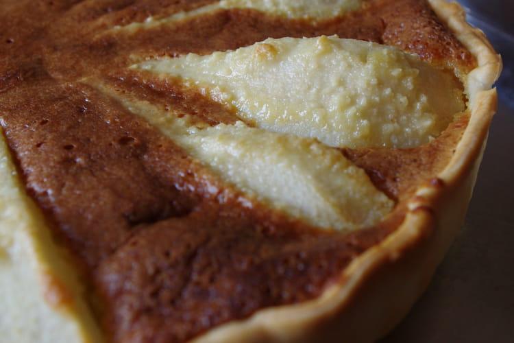 Tarte amandine aux poires sauce chocolat-amaretto