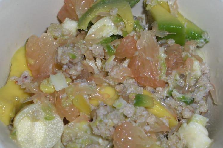 Salade exotique aux miettes de crabe