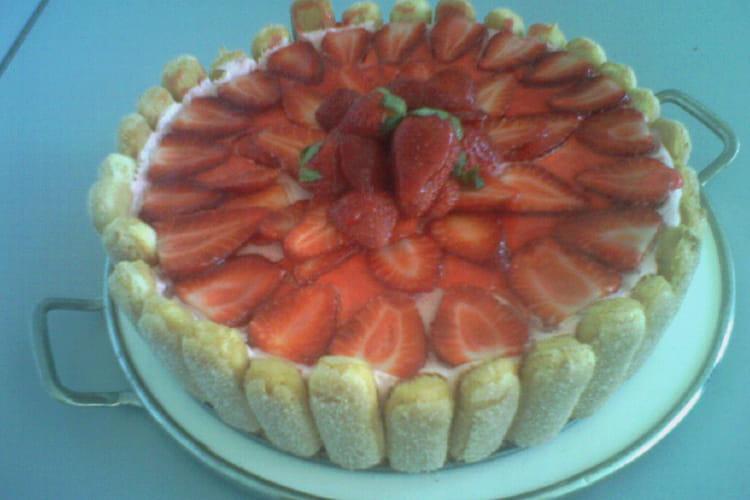 Charlotte aux fraises et menthe