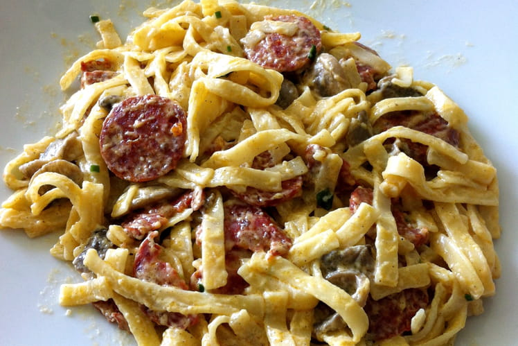 Tagliatelles au chorizo sauce aux champignons