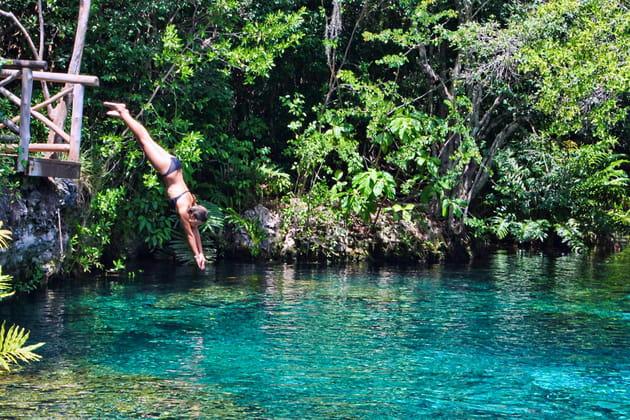 La piscine d'eau douce de Ojos Indigenas