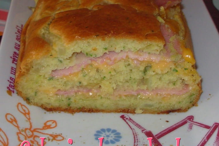 Cake au jambon, cheddar et oignon