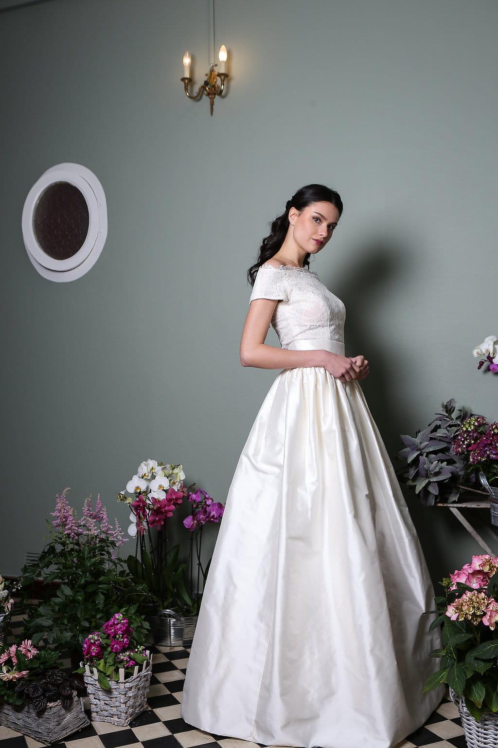 741fe2e2818 Robe de mariée Cendrillon © Elsa Gary. Ce modèle de la collection 2019 ...