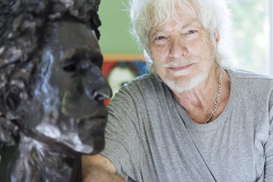 Hugues Aufray se met à nu: ses aventures dans sa maison d'artiste