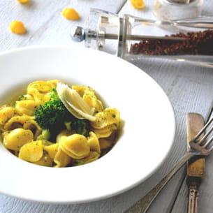 orecchiette aux brocolis & au parmesan