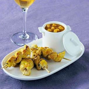 mini brochettes de poulet pimenté et sauce mangue