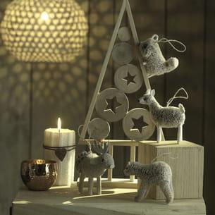 petits animaux en bois à suspendre, chez truffaut
