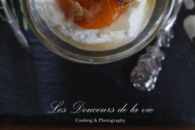 Abricots rôtis au miel de lavande, mousse légère au mascarpone vanille et coulis d'abricots