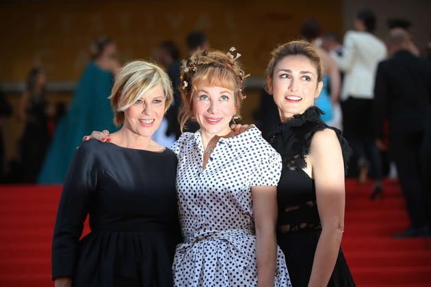 Chantal Ladesou, Julie Depardieu et Julie Gayet entrent dans la lumière