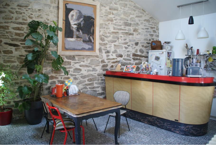 Un vrai bar dans la cuisine visitez la maison d 39 amandine for Bar dans la maison
