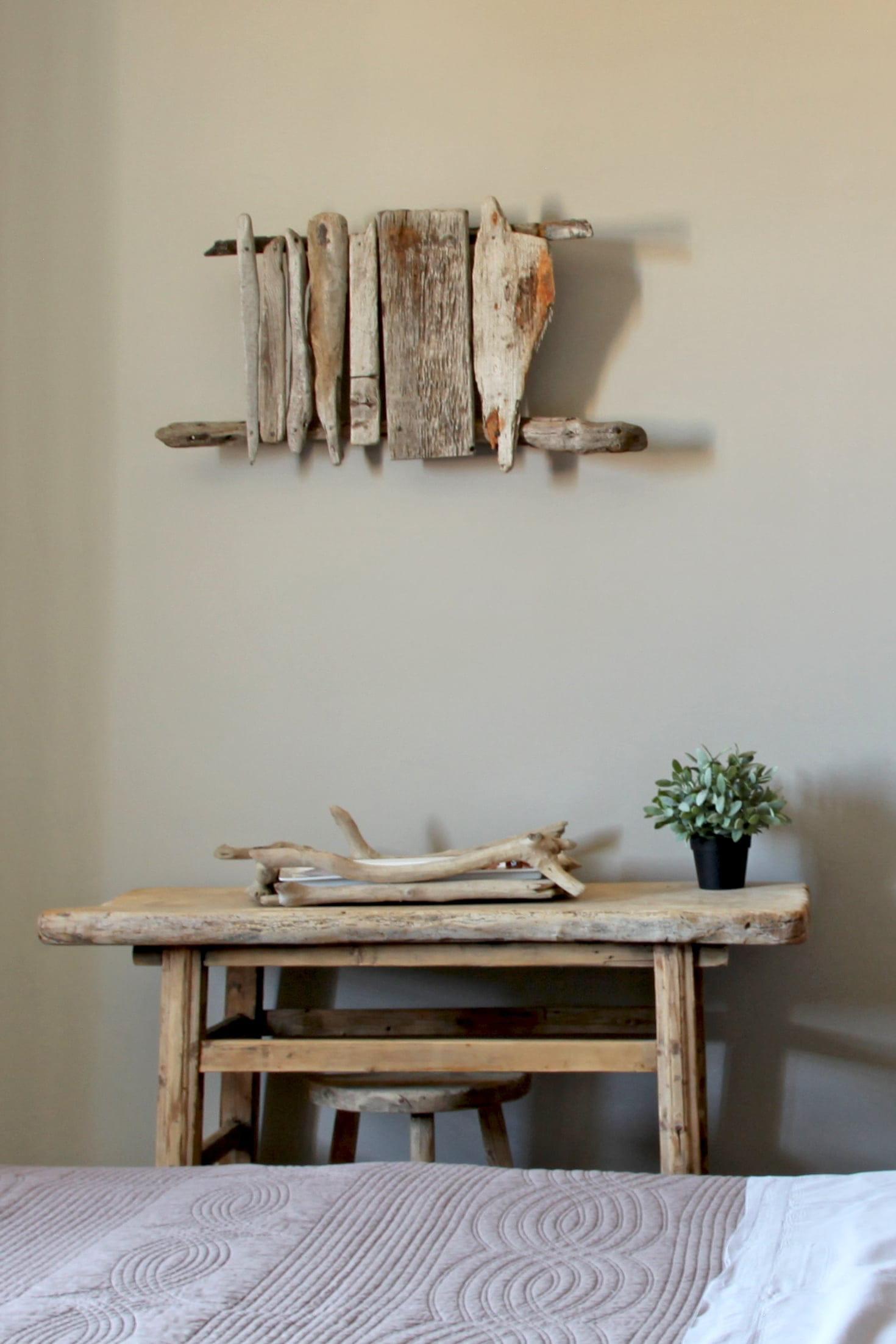 Chambre à la déco en bois flotté