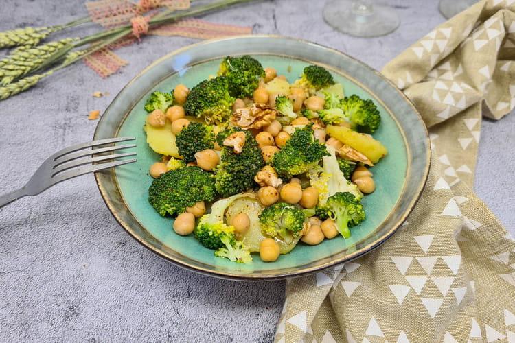 Salade pommes de terre, brocoli et noix