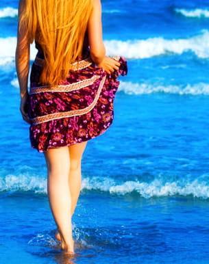 marchez dans l'eau, c'est idéal pour le drainage
