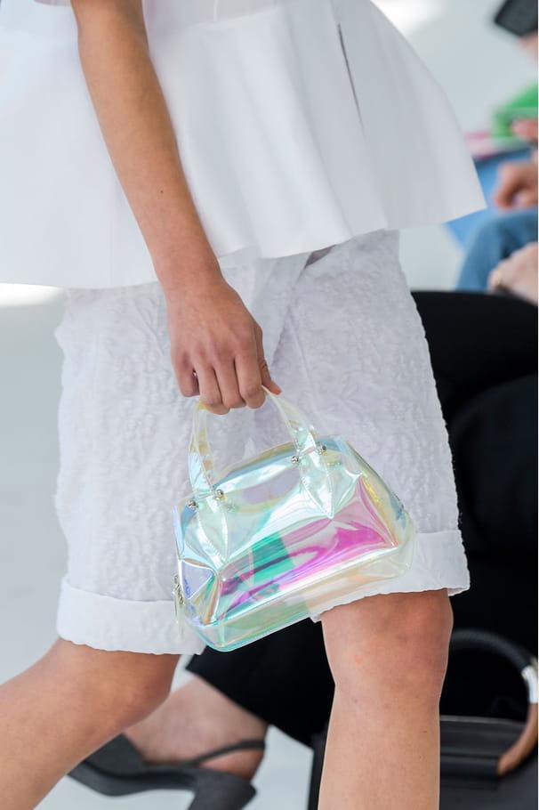 Le sac holographique du défilé Delpozo