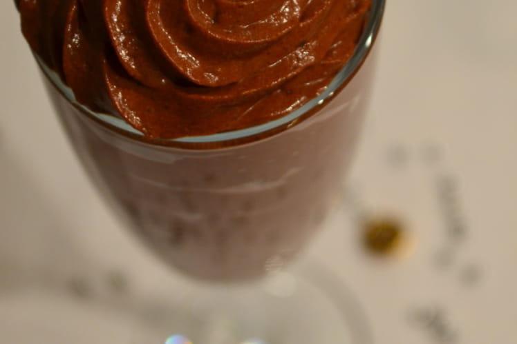 Mousse au chocolat /gingembre et aux noisettes