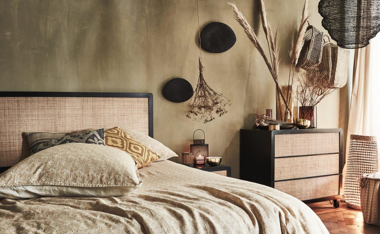 une tete de lit en rotin pour une