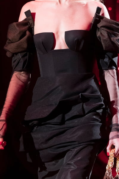 Ulyana Sergeenko (Close Up) - Printemps-été 2017
