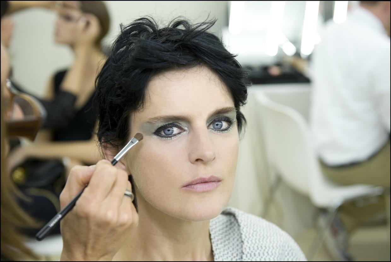 Fashion week paris le regard m tallique du d fil chanel for A porter du regard synonyme