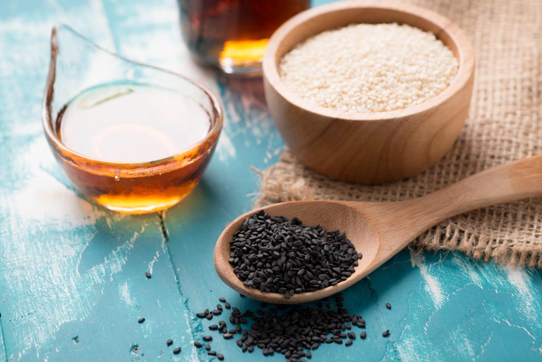 L'huile de sésame: ses bienfaits pour la peau et les cheveux