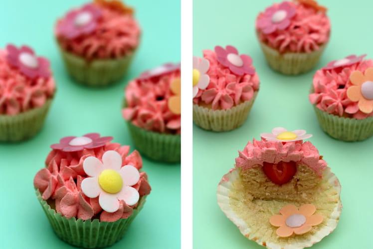 Cupcakes amandes et coeur de fraises fraîches