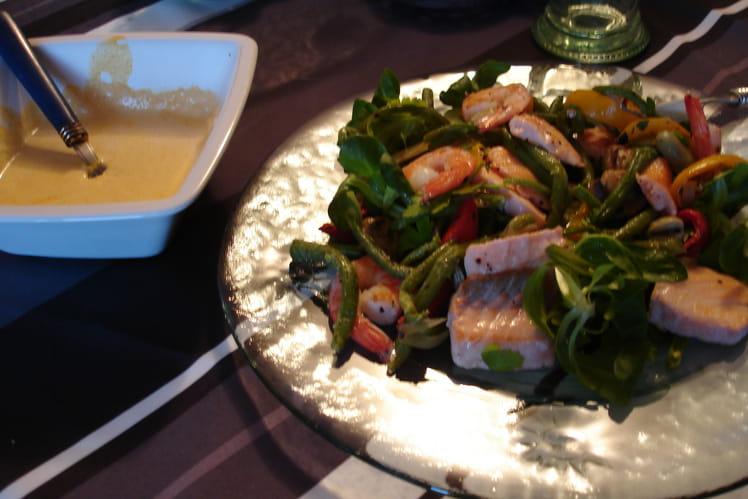 Salade de légumes grillés et crevettes au curry