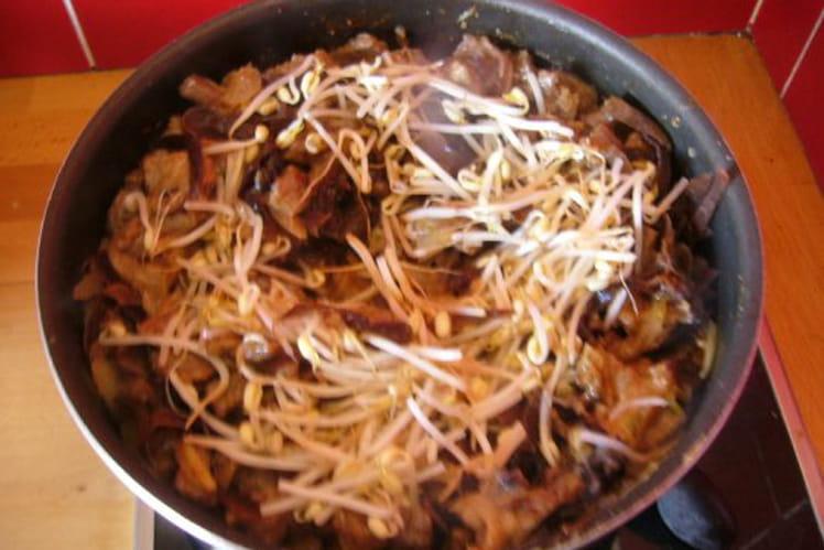 Champignons et germes de soja poêlés