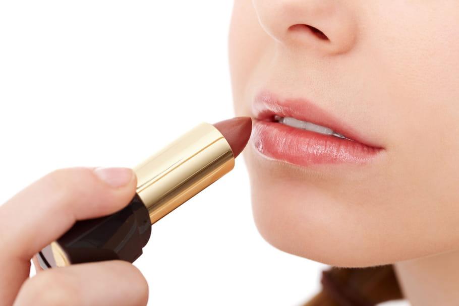 Quel rouge à lèvres pour une peau claire?