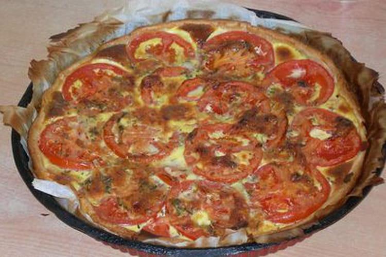 Tarte économique au thon, tomate et moutarde