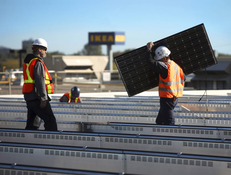 IKEA lance Solstråle, son offre de panneaux solaires