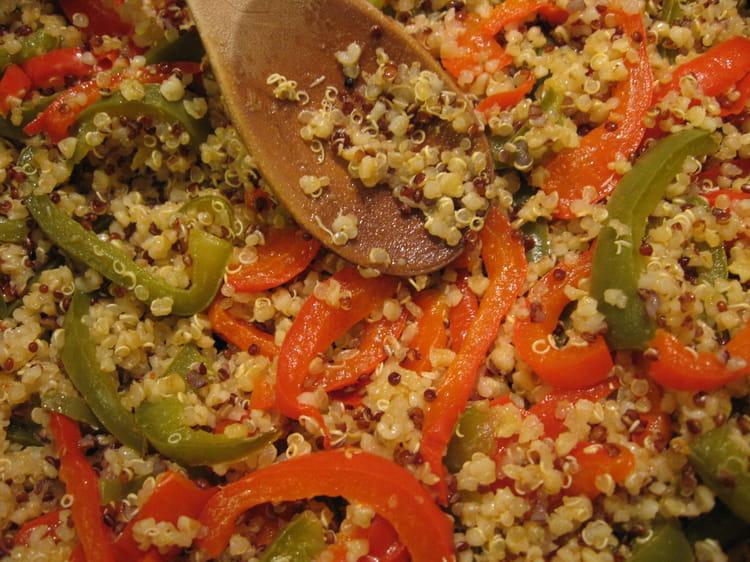 Recette de quinoa aux deux poivrons la recette facile for Cuisiner quinoa