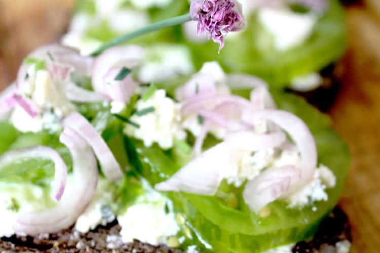 Tartines de tomates vertes et Boursin Echalote & Ciboulette