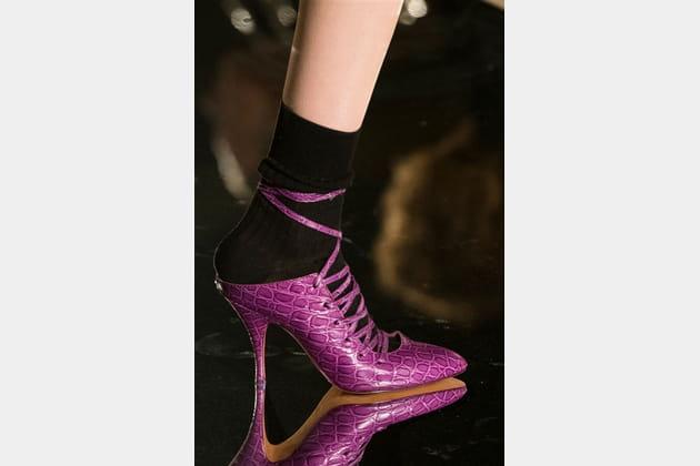Givenchy (Close Up) - photo 33
