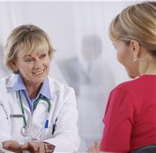 les médecins généralistes peuvent effectuer un test de mesure du souffle.