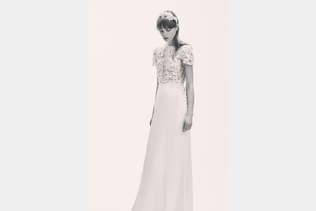Une robe de mariée raffinée