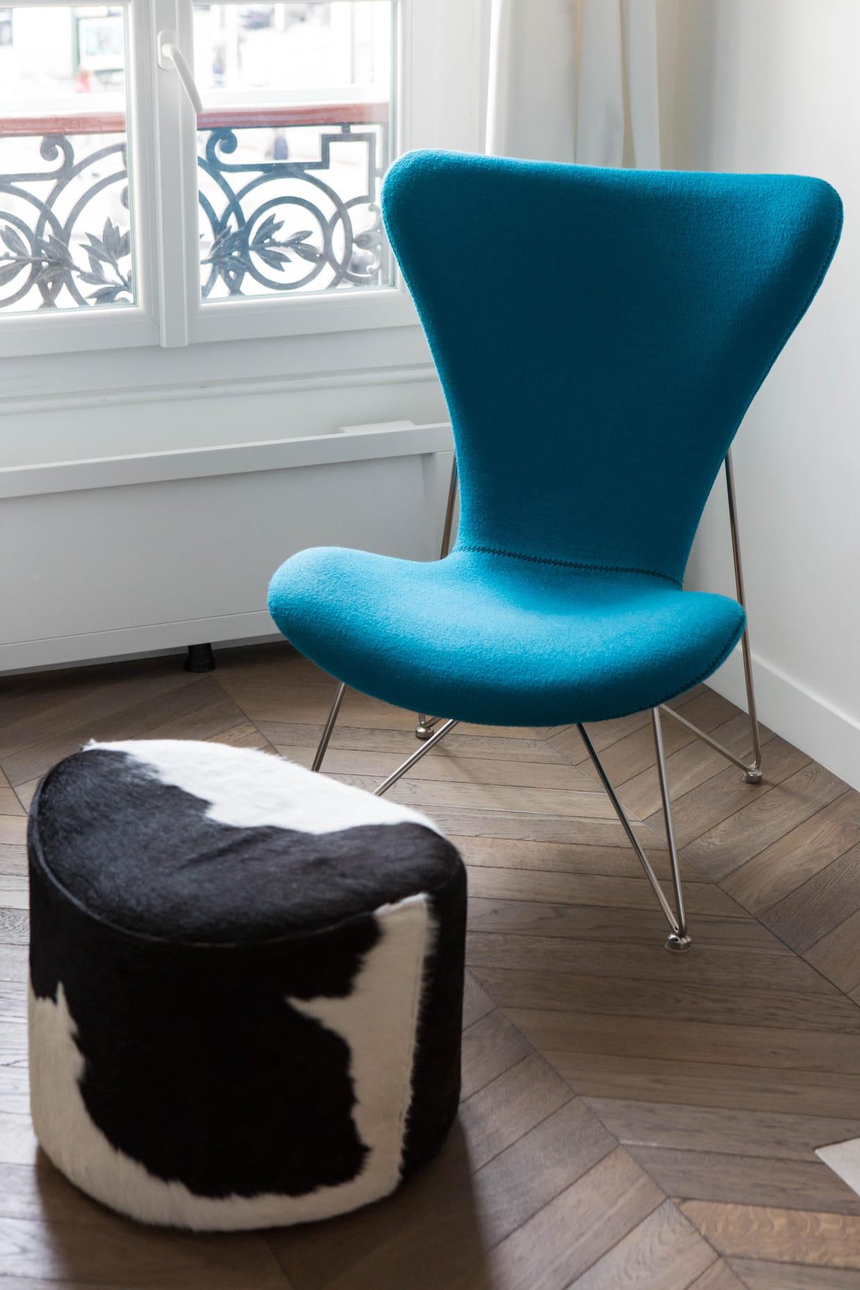 salon n o chic bleu paon. Black Bedroom Furniture Sets. Home Design Ideas