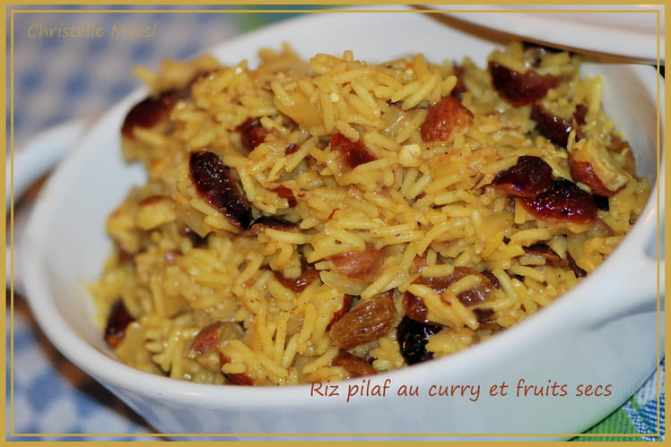 Riz pilaf au curry et fruits secs