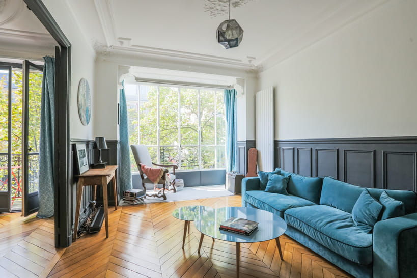 Salon bleu avis de fra cheur en perspective for Deco sejour bleu