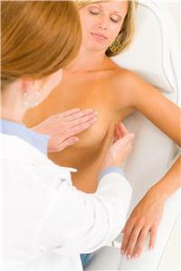 le choix de la chirurgie dépend des résultats des biopsies pré-opératoires.