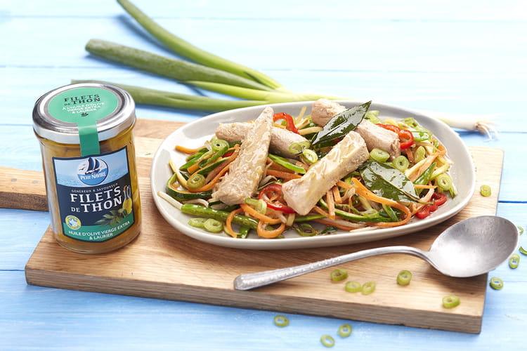 Wok de légumes croquants, soja et filets de thon